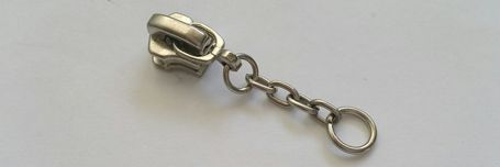 zipper_chain_pull1.jpg