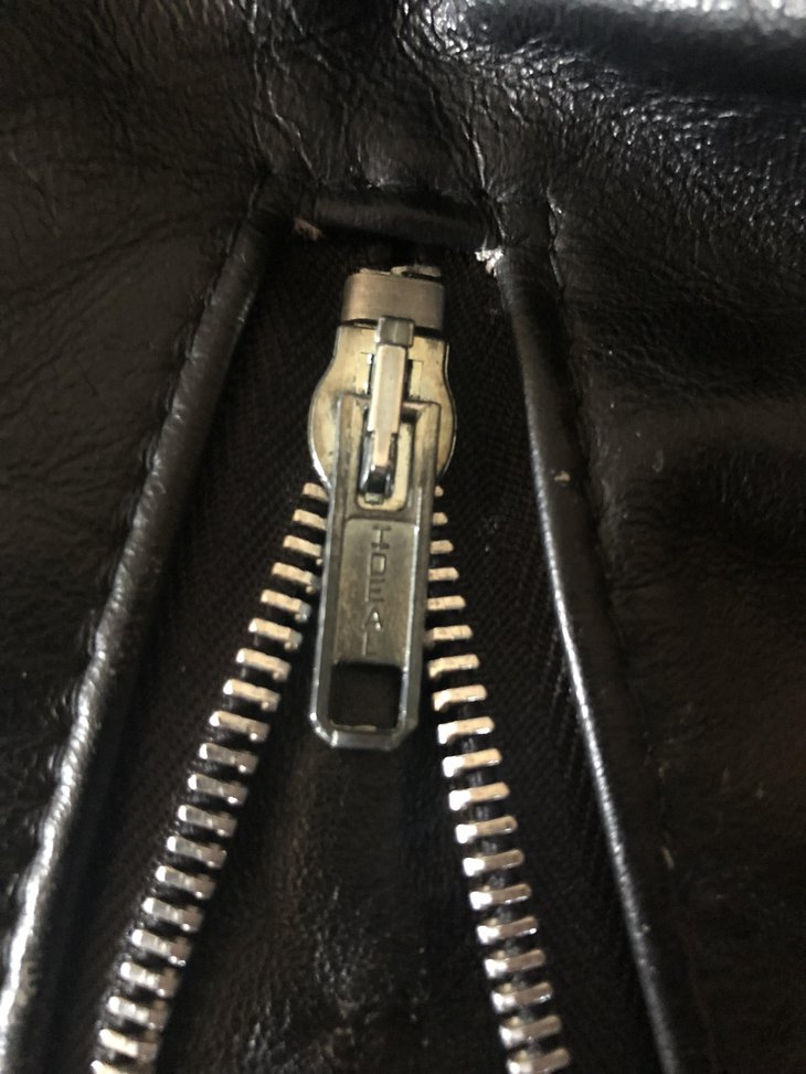 Photo of Ideal Cuff Zipper